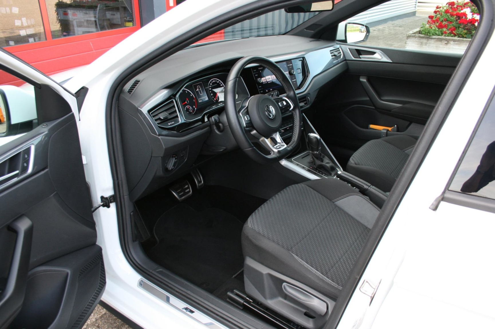 Volkswagen-Polo-34